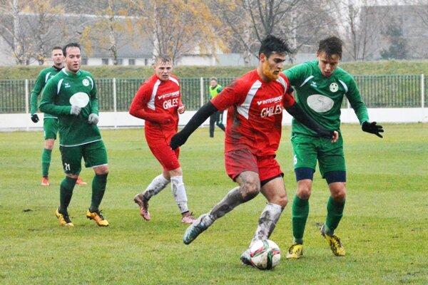Veľký Meder ukončil sériu ôsmich zápasov bez výhry, zeleno-bieli porazili Topoľčany 1:0.
