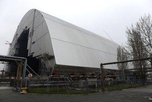 Nový sarkofág, ktorý prekryje výbuchom poškodený 4. blok atómovej elektrárne v ukrajinskom Černobyle.