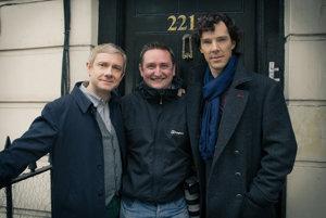 Robert Viglasky s hlavnými predstaviteľmi seriálu Sherlock - Martinom Freemanom a Benedictom Cumberbatchom.