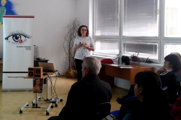 Učiteľom školy na seminári prednášala Zuzana Adamová.
