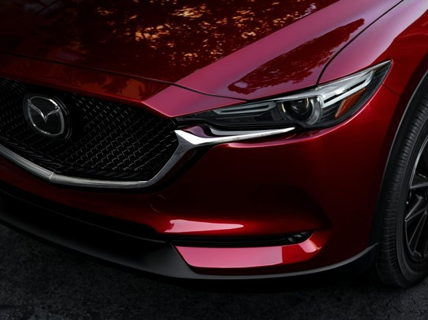 Druhá generácia SUV dostala užšie svetlá či novú masku chladiča