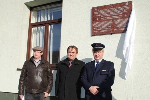 Odhalenie pamätnej tabule na stanici v Medzilaborciach.