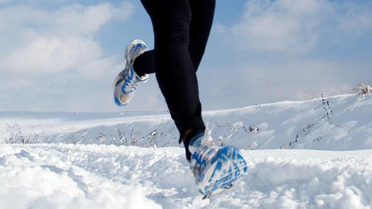 20de55338a3a0 Na čo všetko by ste nemali zabudnúť, ak chcete behávať v zime - Žena SME