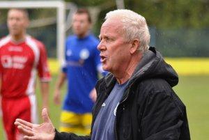 Skúsený tréner Jozef Štafura. Po jeho príchode sninské mužstvo ožilo.