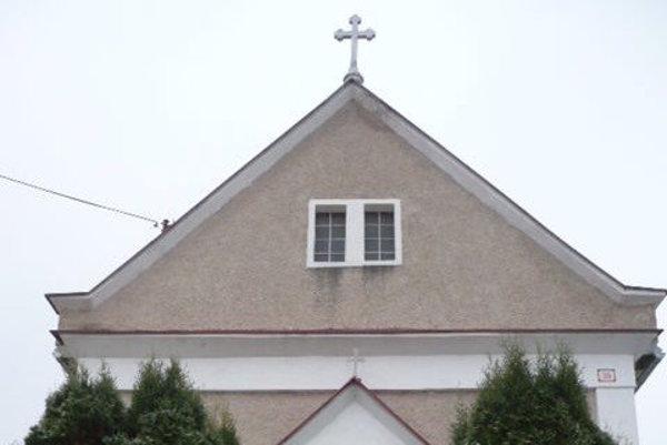 Kostol v Santovke má 105 rokov.
