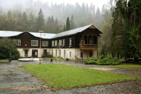 Historické budovy vedenie kúpeľov čiastočne zakonzervovalo, v budúcnosti počítajú s ich obnovou v pôvodnom štýle.