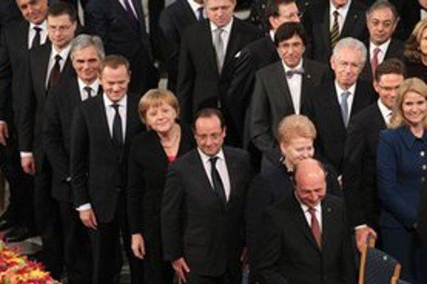 Robert Fico so štátnikmi na udeľovaní Nobelovej ceny v nórskom Osle.