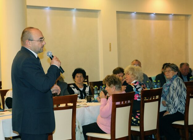 Jozef Halcin upozornil, aké finty používajú podvodníci pri okrádaní seniorov.