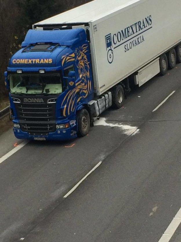 Zrážka s kamiónom mala tragické následky.