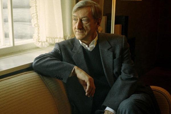 Julian Barnes vyhral Man Bookerovu cenu v roku 2011 za knihu Pocit konca.