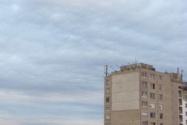 Na Slovensku je obnovená len zhruba polovica bytových domov a tretina rodinných domov.
