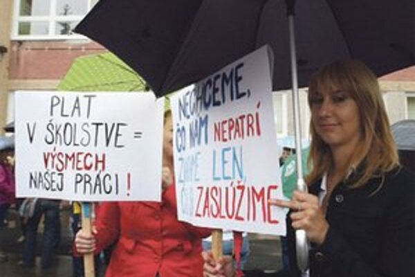 Učitelia zvážia viacdňový štrajk.