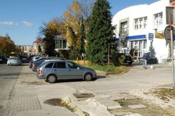Autá budú pri Rozvoji parkovať na novom parkovisku.