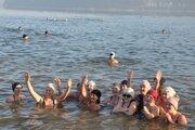 Oravské účastníčky zimného plávania.