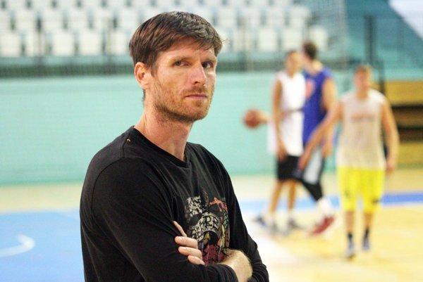 Peter Seman ukončil svoje pôsobenie v basketbalovom klube, ktorý v lete 2014 zakladal spolu so Stanislavom Michalíkom.