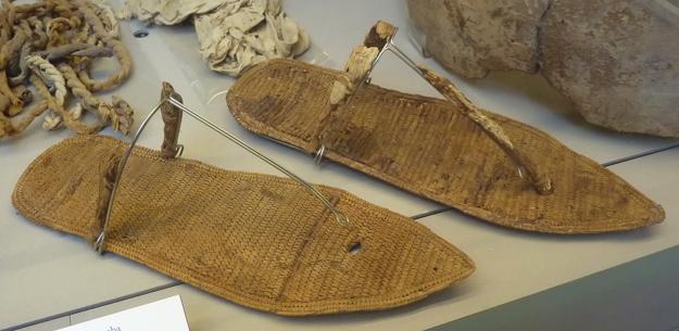 Sandále, ktoré objavili v hrobke v roku 1904.