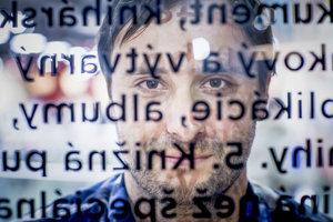Tomáš Ulej opäť hľadá dobrovoľníkov, po projekte Zlatého fondu denníka SME tentoraz pre Ľuda Slovenského. Všetky informácie pre tých, ktorí by chceli pomôcť, sú stránke www.ludoslovensky.sk/vyzva.