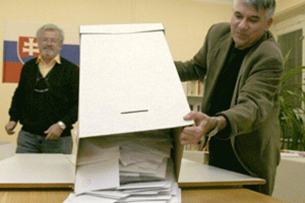 Komunálne voľby rozhodnú o nových starostoch, primátoroch a zložení zastupiteľstiev.