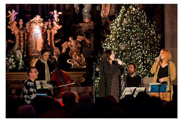 Katka Koščová na vianočnom koncerte.