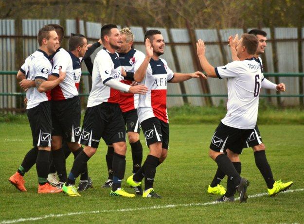 Topolianski futbalisti mali vjeseni veľa dôvodov na radosť.