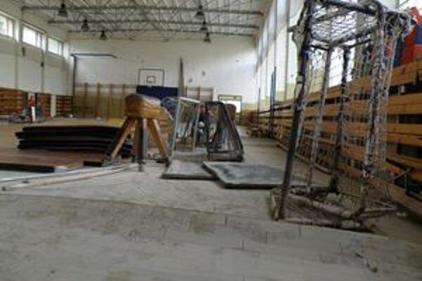 Peniaze išli aj do školy na Rastislavovej ulici v Prievidzi, ktorej zatopilo všetkých deväť pavilónov.