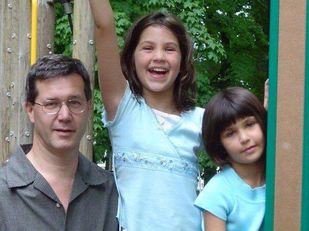 Krásne detstvo. Rodičia dali dievčatám všetko.