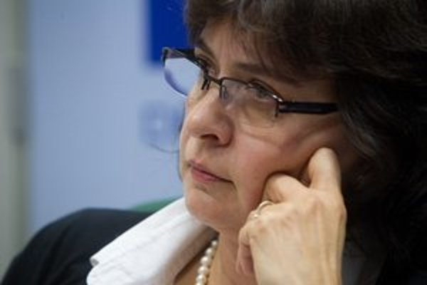 Lucia Žitňanská bola od roku 2002 ešte ako nestraníčka štátnou tajomníčkou na ministerstve spravodlivosti za KDH. Štyri roky potom sa už stala poslankyňou SDKÚ. Vo voľbách teraz získala najviac hlasov v strane.