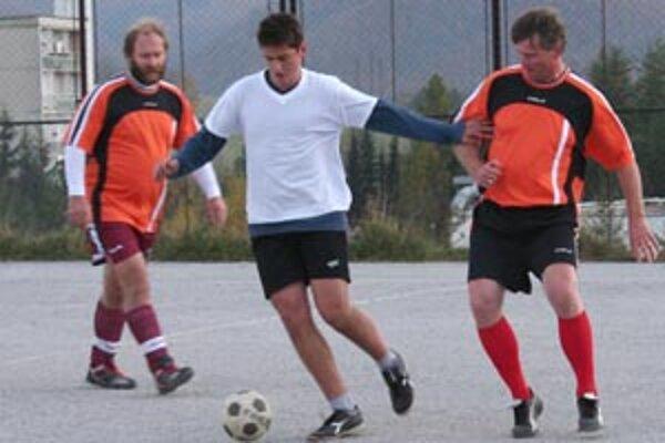 V prievidzských mestských ligách v malom futbale neokúsilo trpkosť prehry jedine Juveko.