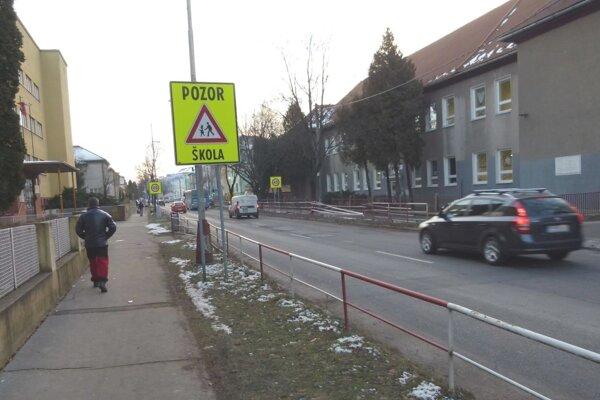 Za týždeň sa na Mudroňke stali dve dopravné nehody.