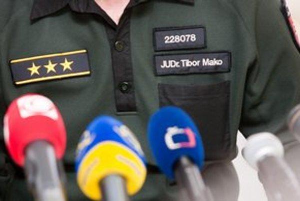 Zo šéfa hraničnej polície Tibora Maka spravil po škandále s výbušninou v lietadle minister Kaliňák policajného pridelenca v Maďarsku.