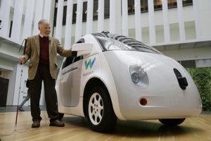 Steve Mahan sa v roku 2015 ako prvý verejne odviezol v prototype samojazdiaceho auta spoločnosti Google.