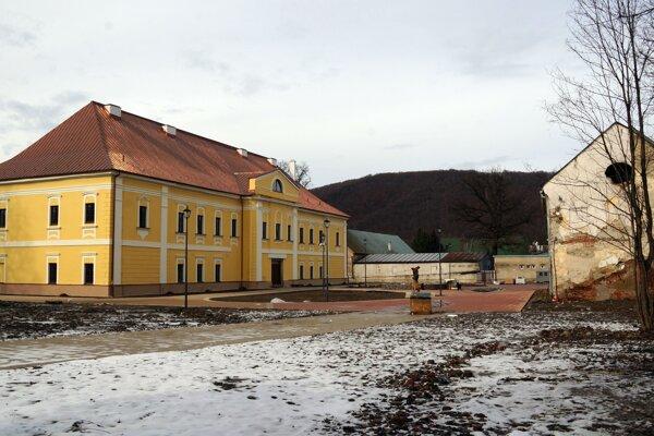 Kaštieľ v Snine.