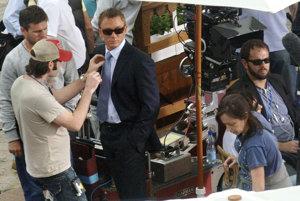 Nakrúcanie filmu Casino Royale v mestečku Loket.