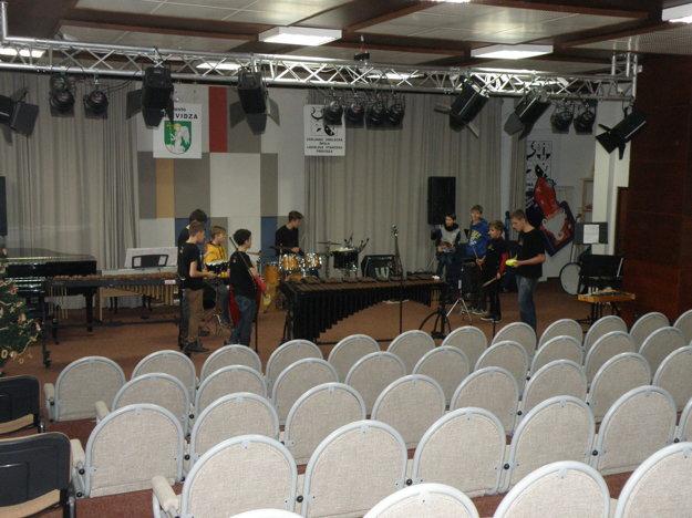 Koncertná sála v ZUŠ L. Stančeka v Prievidzi bude dva a pol mesiaca slúžiť ako sobášna miestnosť.