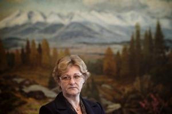 Bývalá sudkyňa, potom poslankyňa za SDKÚ Jana Dubovcová sa včera ujala funkcie verejnej ochrankyne práv.