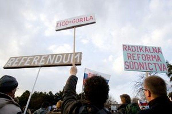 Protest Gorila.