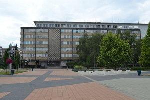 Budova okresného úradu.