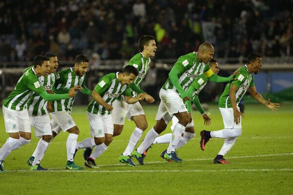 Futbalisti Atlética Nacional sa tešia po víťaznom penaltovom rozstrele.