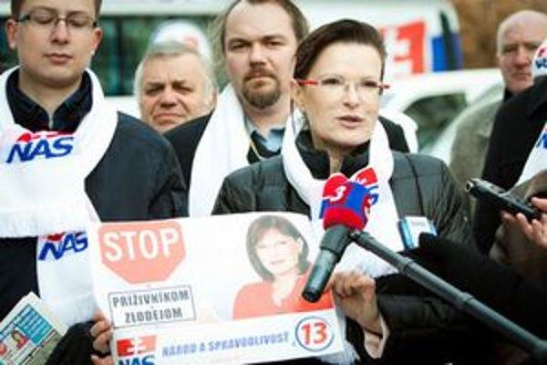 Predsedníčka strany Národ a Spravodlivosť Anna Belousovová.