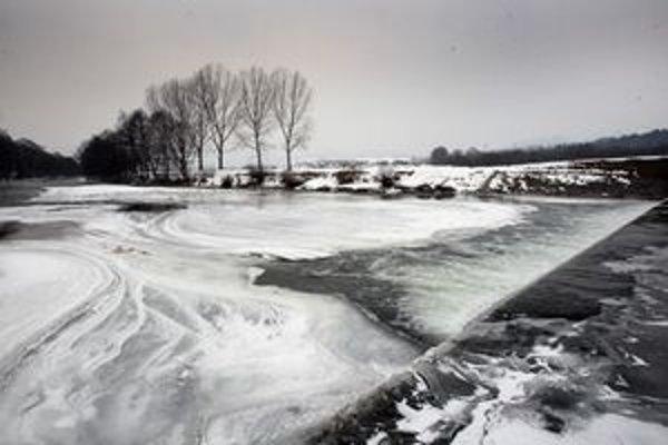 Zamrznutý Hron pri Šalkovej.