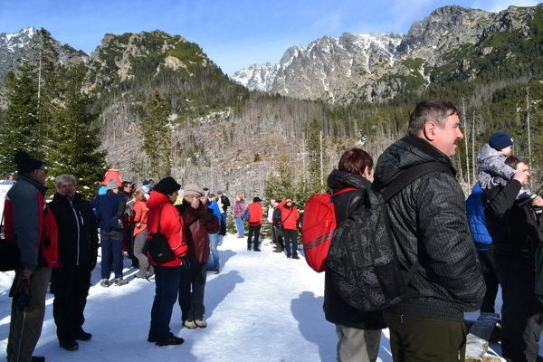 Zimné Tatry sú nádherné aj bez ohňostrojov a výbuchov. Ochranári upozorňujú na dodržiavanie zákazu a apelujú na svedomie a srdce návštevníkov národného parku.
