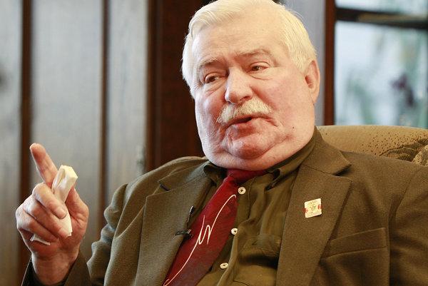 Lech Walesa má 73 rokov, stále sa snaží byť aktívny v politike.