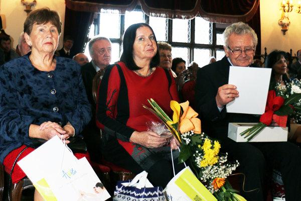 Regionálne ceny získali: Zľava Darina Matyášová, Amália Lomnická a Ján Cipov.