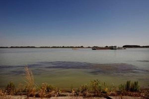 Súčasným problémom sú zmeny polohy koryta hraničných vodných tokov.
