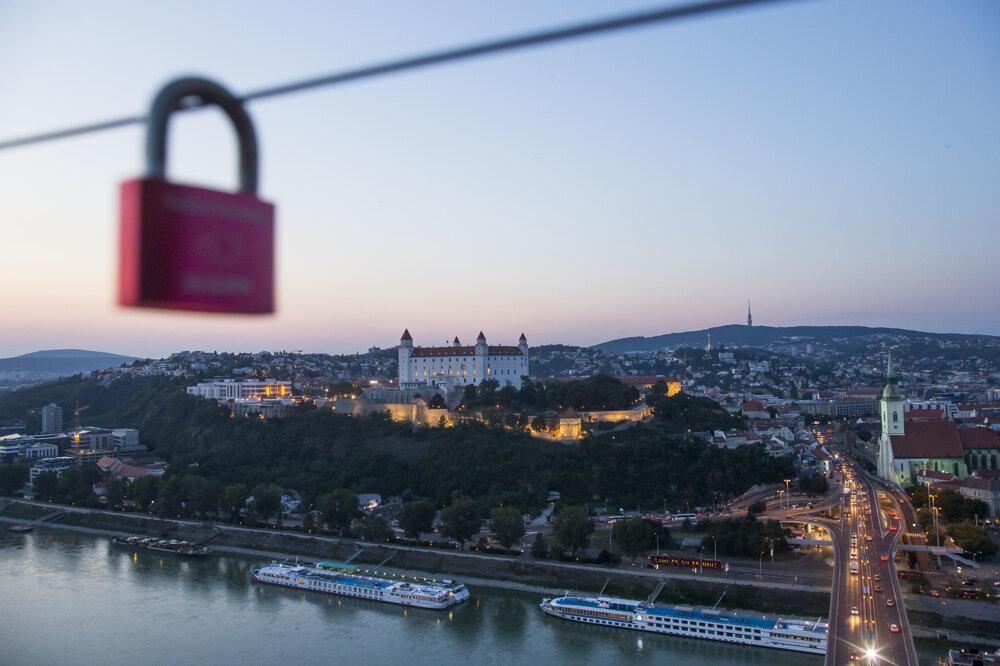 15. september 2016. Bratislavský hrad pred začiatkom summitu EÚ.