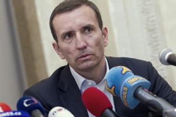 V Česku vyšetrujú Mareka Dospivu.