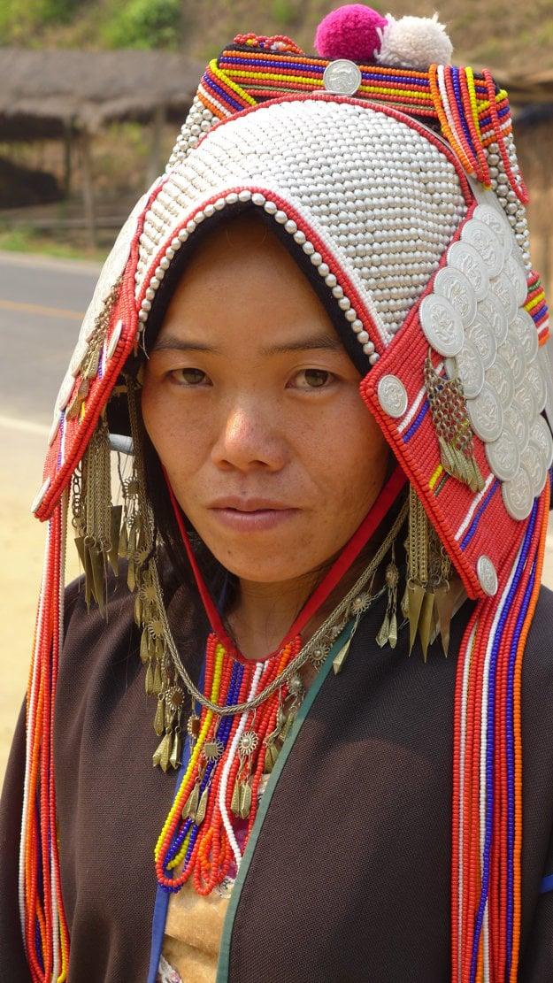 Všetky horské kmene sú charakteristické aj svojím oblečením