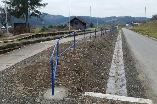 Vynovená zastávka v Spišskej Belej.