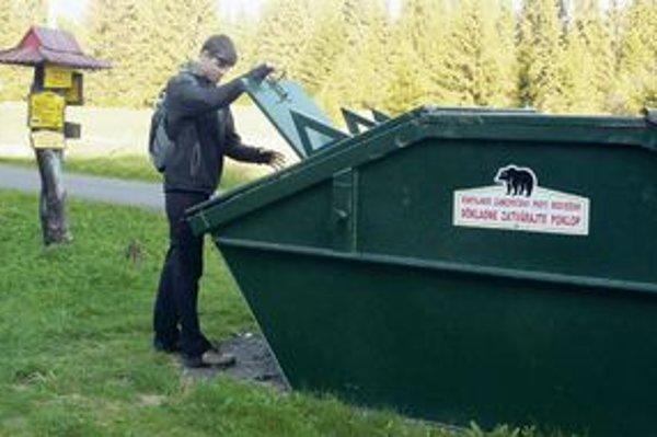 Do tohto kontajnera v Bobrovci sa medveď nedostane.