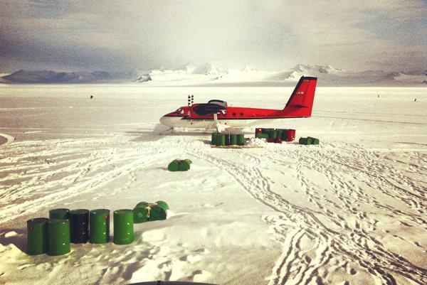 Antarktída. Na pobyt v extrémnych podmienkach musí byť človek pripravený.